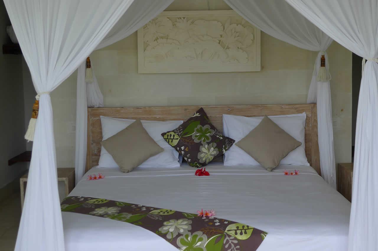 Bedroom of villa Shantiasa